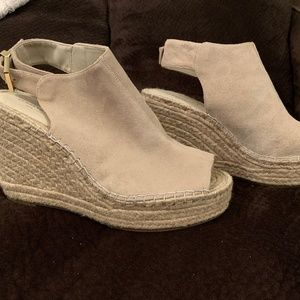 Kenneth Cole - Wedge Shoes